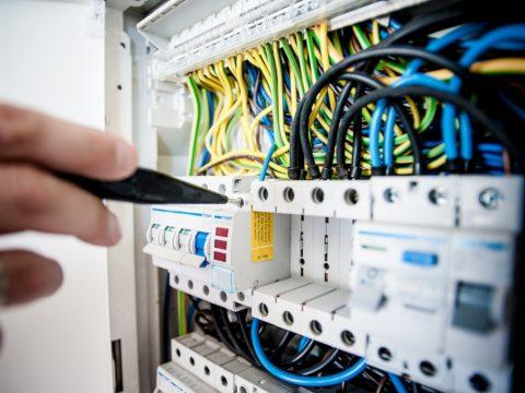 Broker Leader rischi tecnologici polizza Elettronica All Risks